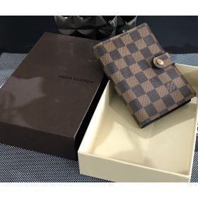 CAPA AGENDA - LOUIS VUITTON